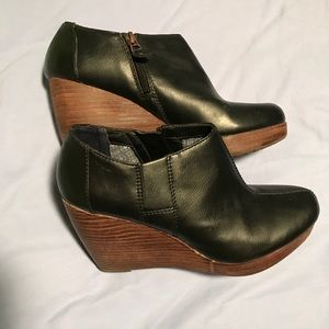 Women's Dr. Scholl's black platform booties
